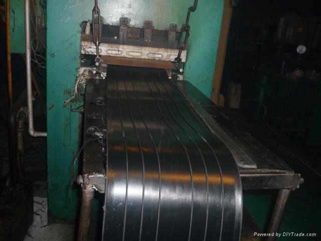 设计图纸计算好产品长度,异型结构要有图纸说明,尽量在工厂中将止水带